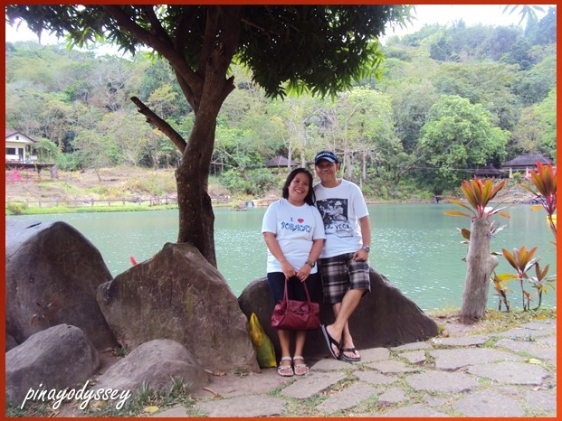 Lovely couple! Lovely background! ♥