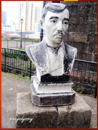 Jose Rizal's bust?