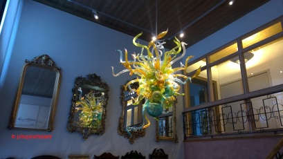 A magnificent glass chandelier created by American artist, Dale Chihuly, in 2012