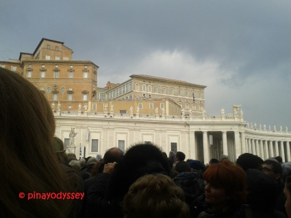 Outside the basilica, waiting for Pope Francis