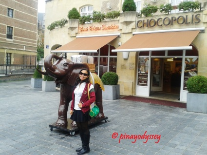 Outside the Chocopolis, home to finest Belgian chocolates!