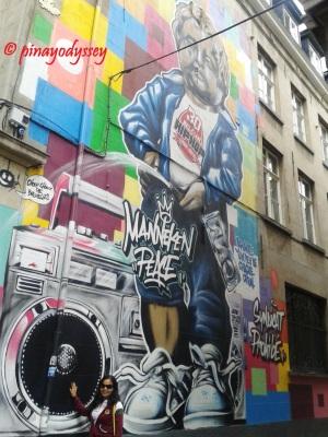 Mannekin Pis on street art/graffiti