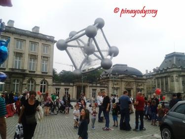 The Atomium balloon