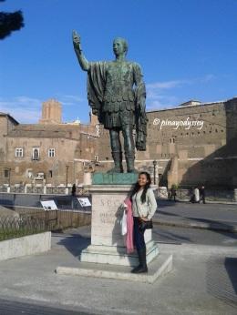 A statue of a Roman emperor