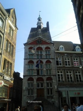 The Ding Huis
