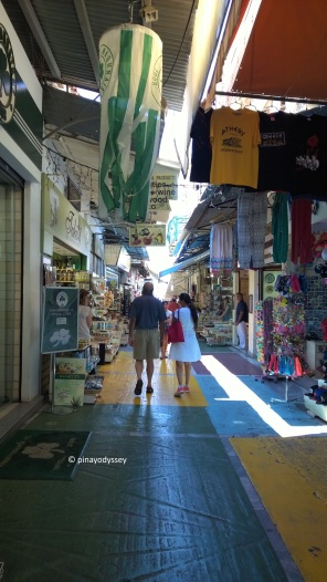 One of the shopping alleys from the Monastiraki square