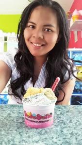 Having a cup of fresh gelato in Zahara de los Atunes