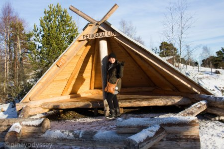 A wooden structure that Scandinavians use to protect themselves from the cold and the wind outdoors
