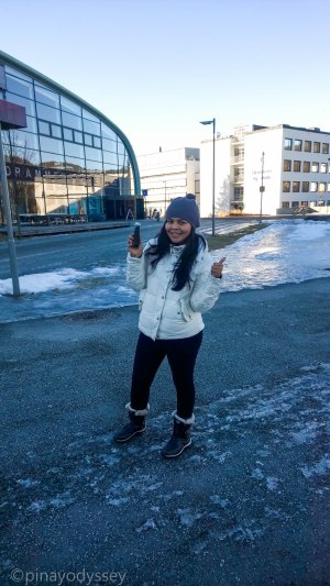 Finding a cache hidden on a water tank by the Drammen Swimming Hall (Drammensbadet)