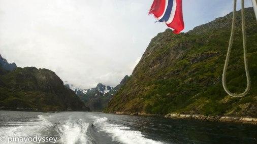 Leaving Trollfjorden